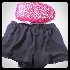 Black elastic rayon shorts